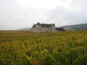 château du clos de Vougeot (arnaud25-wikipedia)