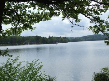 Morvan - lac des Settons (Ch. Finot - wikipedia)